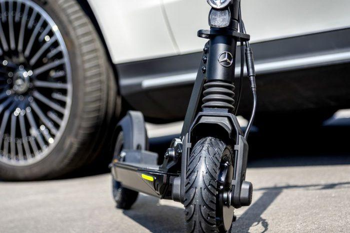 Mercedes-Benz sessizce e-scooter pazarına girdi